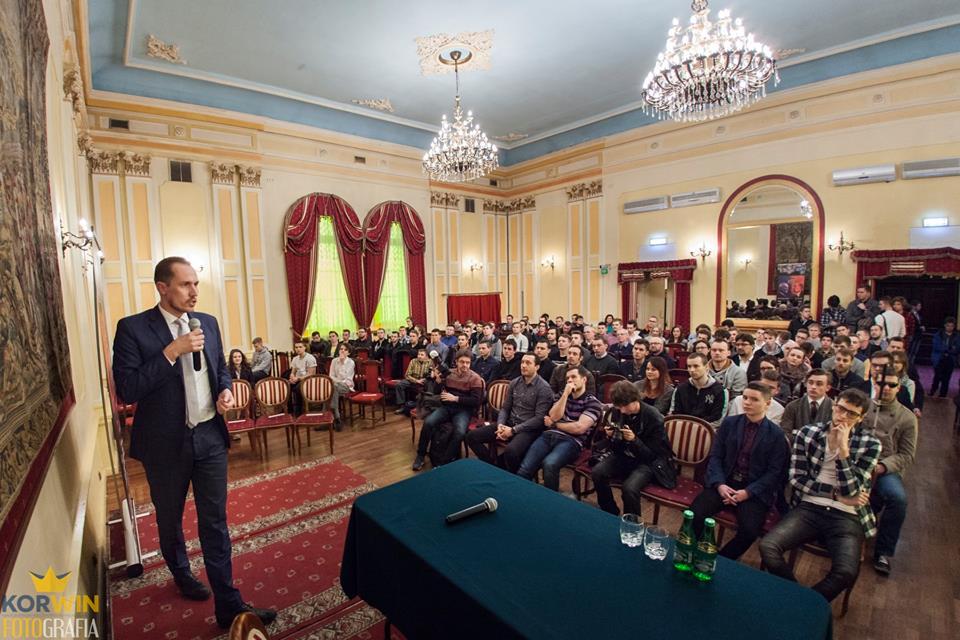 [VIDEO] Spotkanie z Januszem Korwinem-Mikke oraz Konradem Berkowiczem w Krakowie